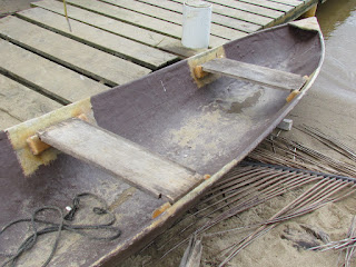 Belize dugout canoe construction details