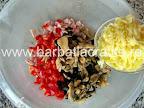 Chec aperitiv preparare reteta - adaugare cascaval razuit