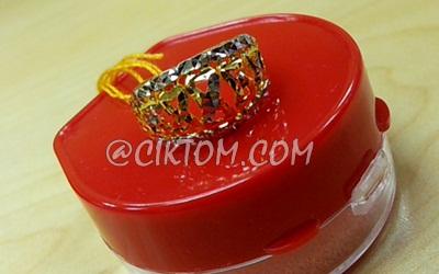 Hadiah cincin emas untuk ibu saudara