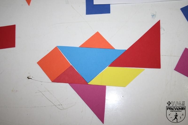 avion tangram goma eva para niños