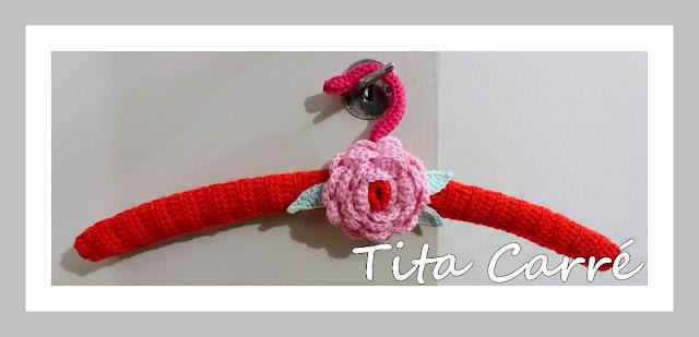 Cabides florais em crochet