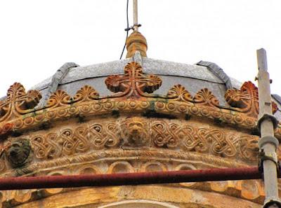 Ο Ναός των Εισοδίων στο Αίγιο καταρρέει και κανείς δεν ενδιαφέρεται