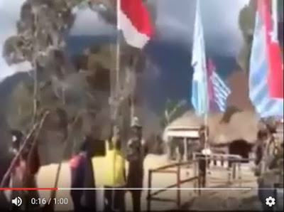 Video: Tentara OPM Robek dan Bakar Bendera Indonesia (Merah Putih)