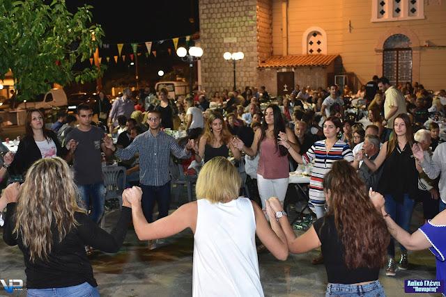 Με πολύ κέφι η λαϊκοδημοτική βραδιά στο Παναρίτη