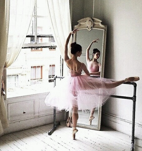 The Best Ballet Instagram Accounts @ballerinaproject_