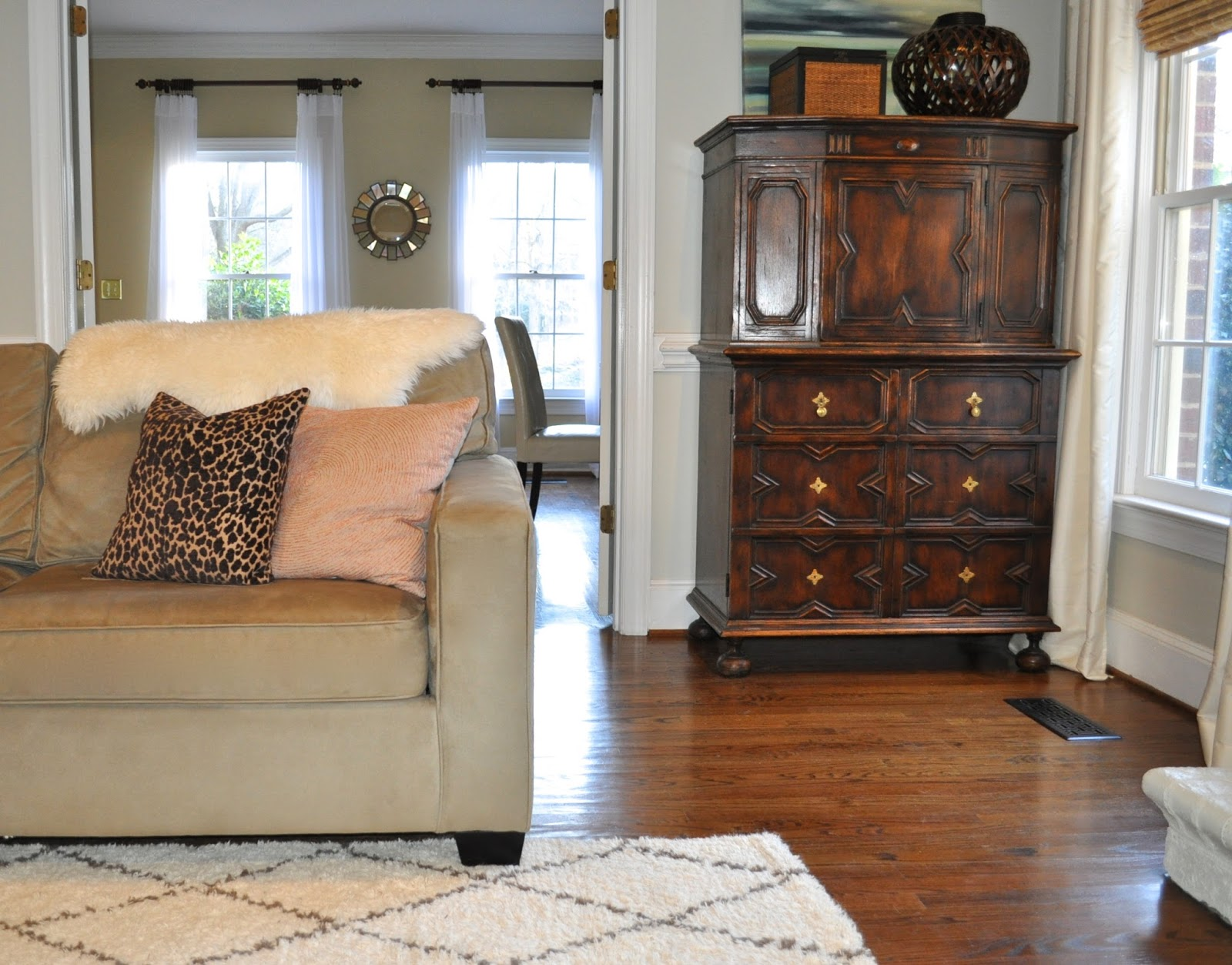 Review Of The Fabric Pottery Barn S Everyday Suede I Had Read So Many Great Reviews About It Stain Resistance And Was Excited To See For Myself