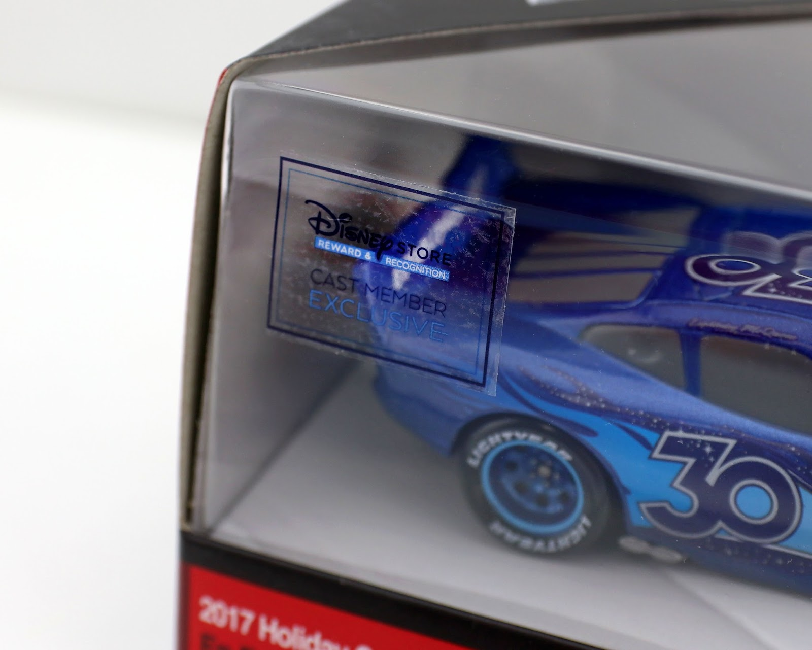 2017 holiday disney store cast member exclusive lightning mcqueen