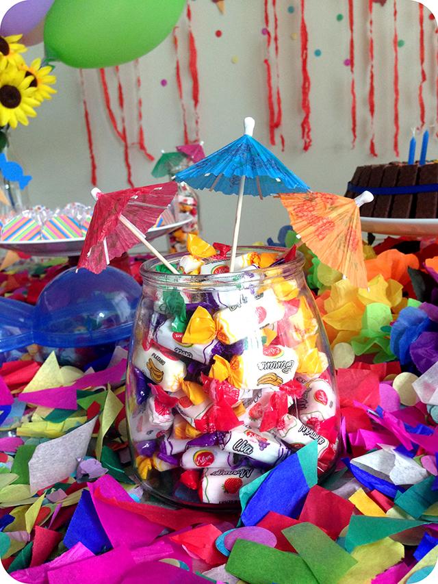 Decoração : Festa Carnaval - Mesa / Balas e Guarda Sol