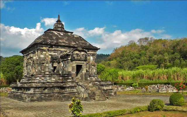 Wisata Sejarah Candi Banyunibo Sleman