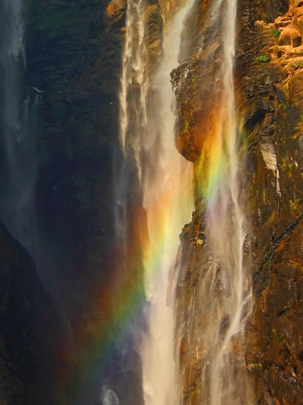 It is the second largest waterfall in India are located in Karnataka. (Photo source: Tapas Cattopadhyay)