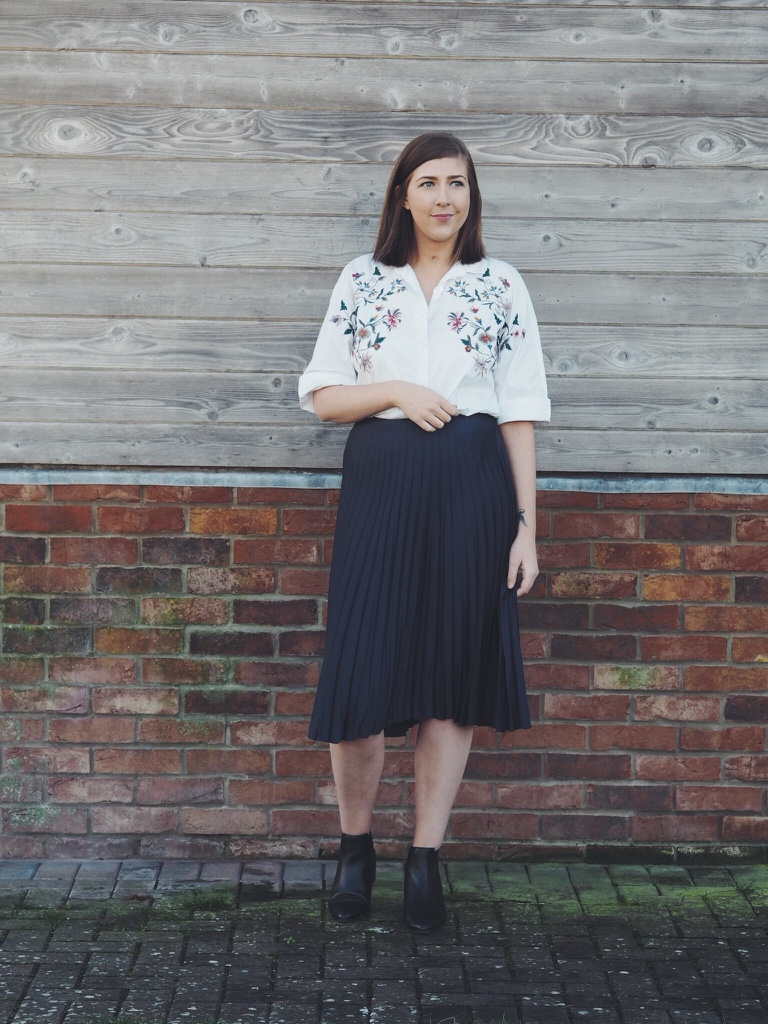 primarkskirt, asosboots, zaraembroideredshirt, embroidery, springsummer17fashion, wiw, whatimwearing, lotd, lookoftheday, fbloggers, fashionbloggers, outfitoftheday, ootd