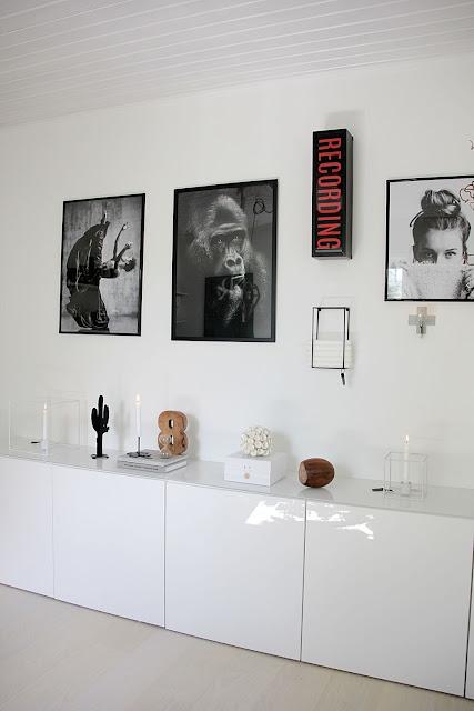 annelies design, webbutik, webshop, nätbutik, inredning, tavlor, tavla, tavelvägg, tavelväggar, svartvit,s vartvita, svart och vitt, ljusskylt, ljusförvaring, ljushållare, dekoration, inredning, inspiration, gästrum, gästrummet, kaktus, siffra, åtta, väggljusstake, väggljusstakar, vägg, fotokonst,