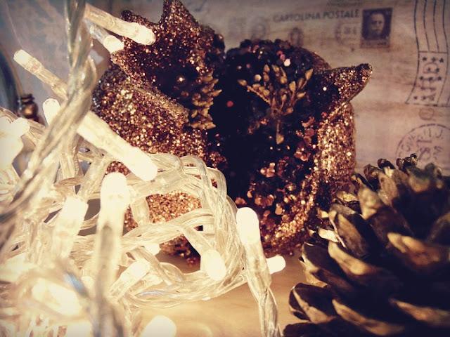 christmas-lights-apologismos-xronias