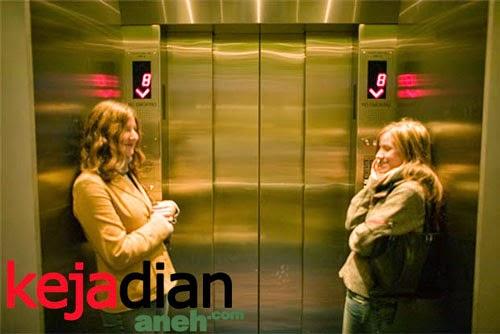 [Image: Lift-Jatuh.jpg]