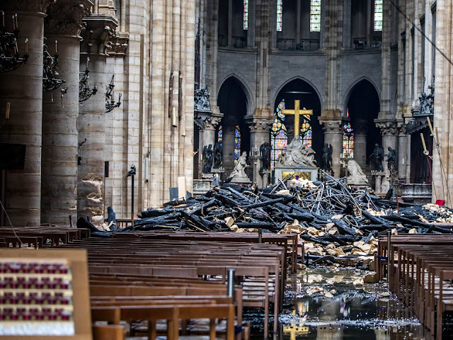 https://www.businessinsider.com/people-who-pledged-money-to-rebuild-notre-dame-fire-paris-2019-4?nr_email_referer=1&utm_source=Sailthru&utm_medium=email&utm_content=Business_Insider_select&pt=385758&ct=Sailthru_BI_Newsletters&mt=8&utm_campaign=Business%20Insider%20Select%202019-04-17&utm_term=Business%20Insider%20Select