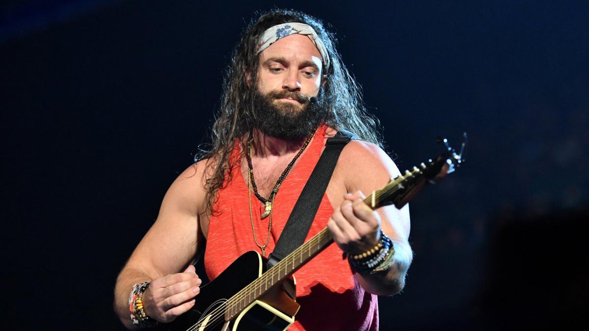 WWE confirma lesão de Elias no The Bump