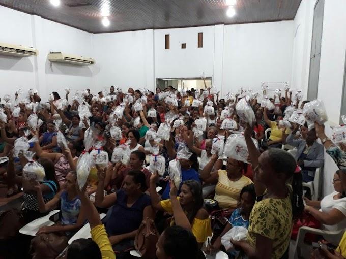 EDUCAÇÃO– Manipuladores de alimentos da Rede Municipal de Educação recebem formação e novos kits de trabalho da SEMECT