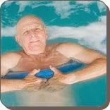 Manfaat berenang untuk manula