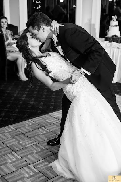 bride groom dance dip