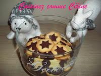 http://cuisinezcommeceline.blogspot.fr/2015/12/biscuits-de-noel-vanillechocolat.html
