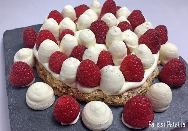 recette de gâteau pistache framboises et vanille tonka, dacquoise pistache, crème diplomate vanille et tonka, framboises, pâtisserie, dessert, crème pâtissière, chantilly, patissi-patatta,