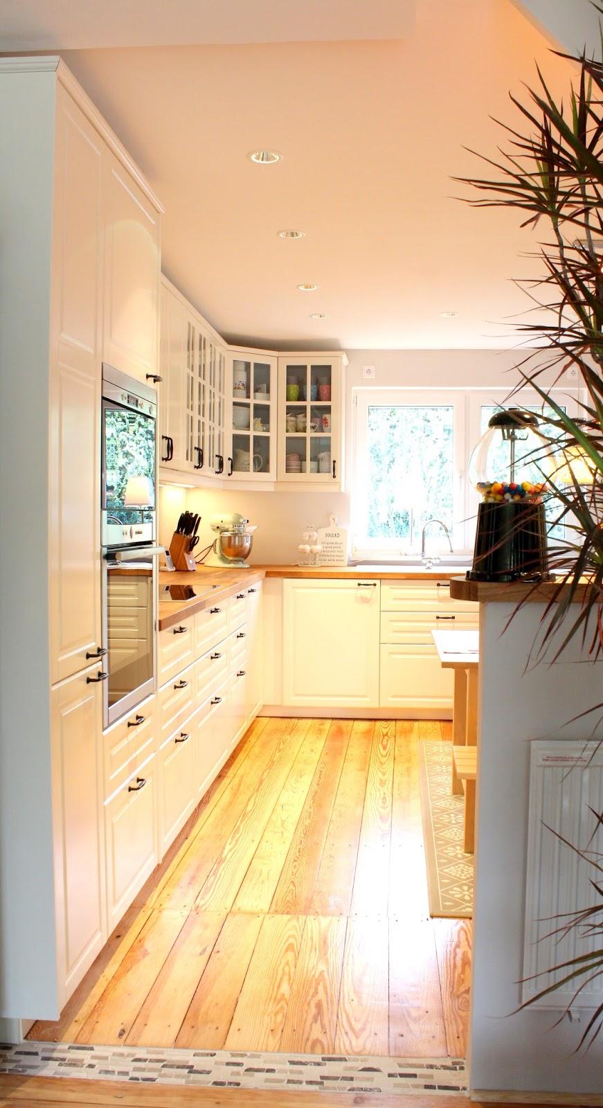 Unsere Küche War Früher Mal Das Schlafzimmer Meiner Mutter. Ein Komplett  Neuer Raum Ist Also Entstanden. Links, Wo Ca Der Ofen Ist, War Die Tür Vom  ...
