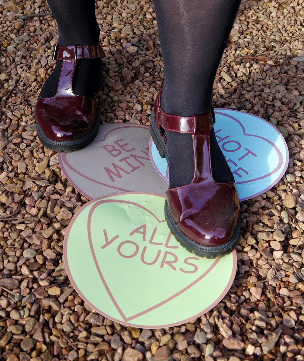 how to, valentine, DIY, hat, love heart, galentine, anti valentines, all yours, stomp, wreck, shoes, New Look, doc martens