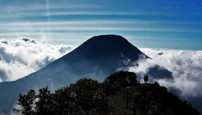 Pendakian Gunung Pangrango 3.019 mdpl via Cibodas