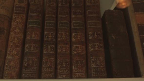 لقطات للمونتاج | كتب أثرية، كتب تاريخية، كتب قديمة