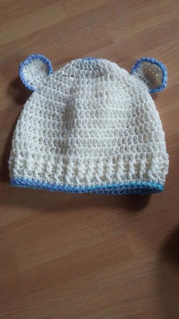 Su richiesta ho creato questa cuffia e babbucce per neonato. Quando l ho  consegnato la nonna era visibilmente compiaciuta. Un lavoretto  semplicissimo con 2 ... b303b1eb1e98