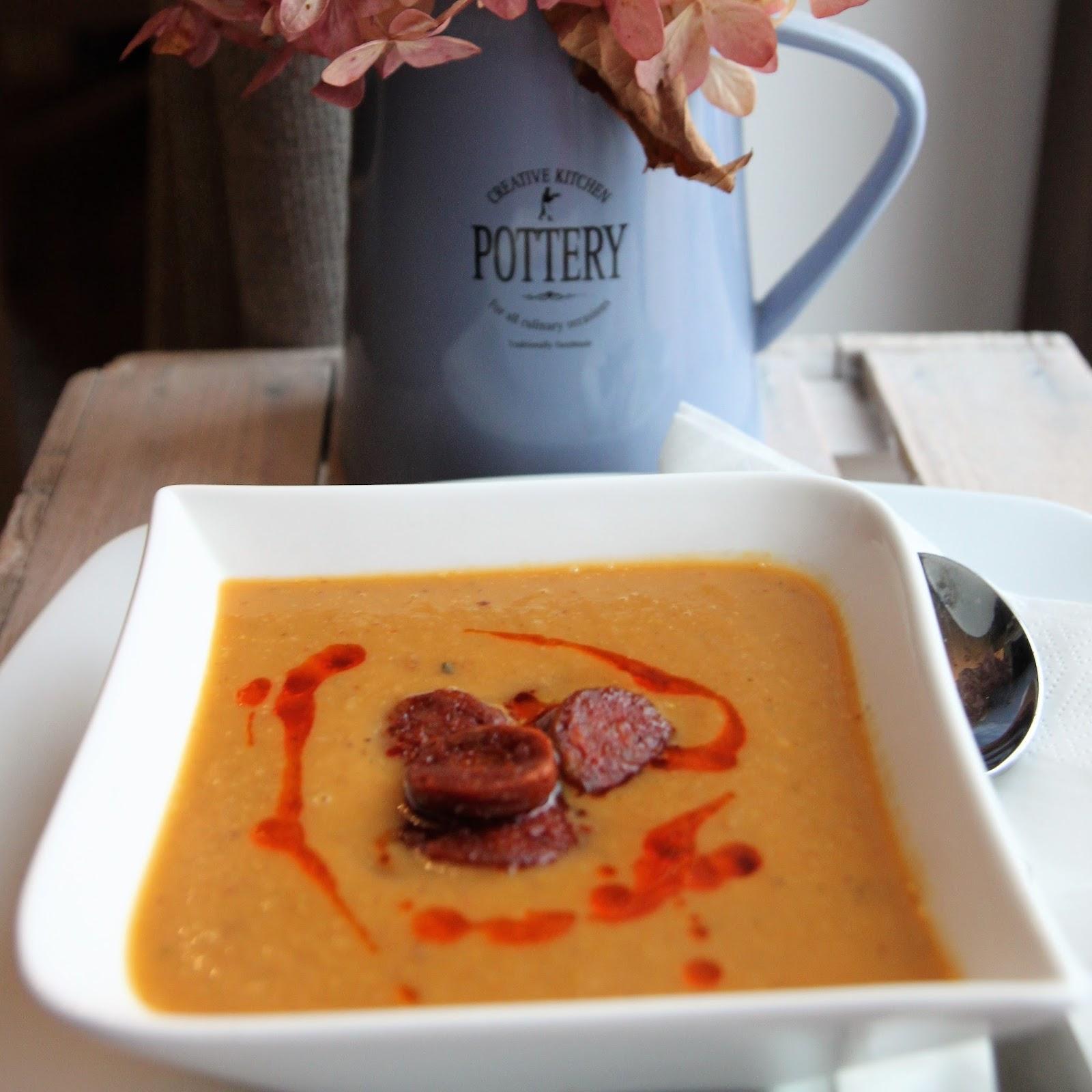 Zupa z kasztanów z chorizo