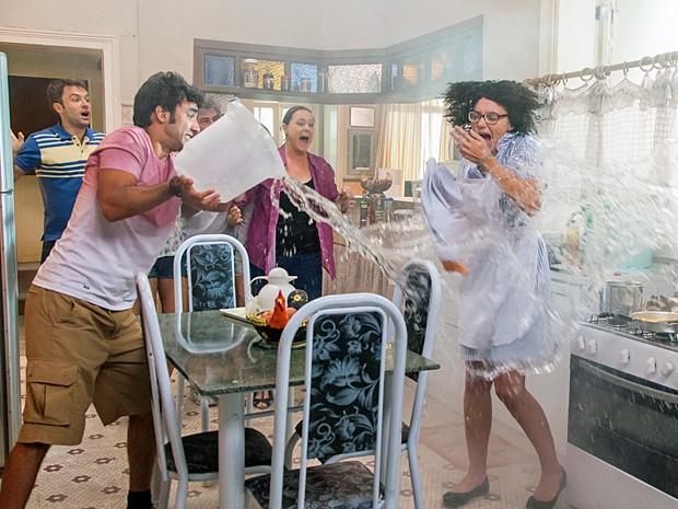 Resultado de imagem para caos na cozinha