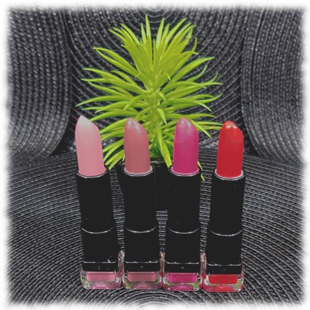Lacura Photo-Fit Lipstick Bullets