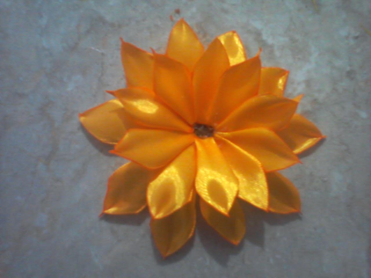 Lavender Art: Tutorial Bunga Matahari dari Pita Satin - photo#8