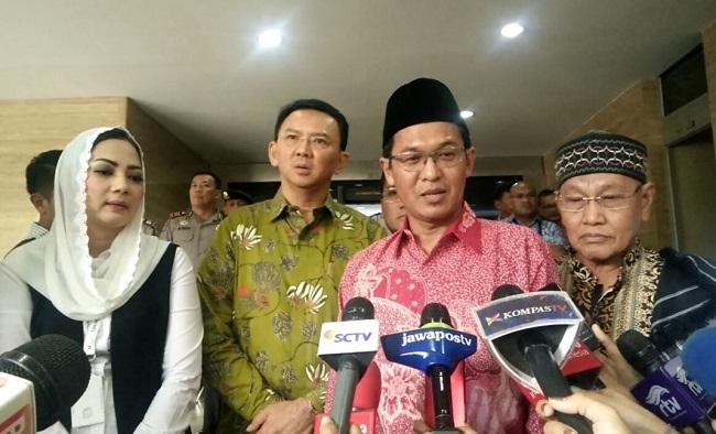 Ahmad Ishomuddin Wakil Ketua Komisi Fatwa MUI telah dipecat karena membela terdakwa penista agama Basuki Tjahaja Purnama.