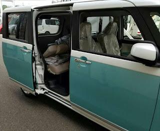 ムーヴキャンバス コンテ後継車 サイドからの画像