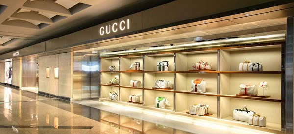 best service 528d6 e5598 The Shoppinguide.it: Outlet in Svizzera
