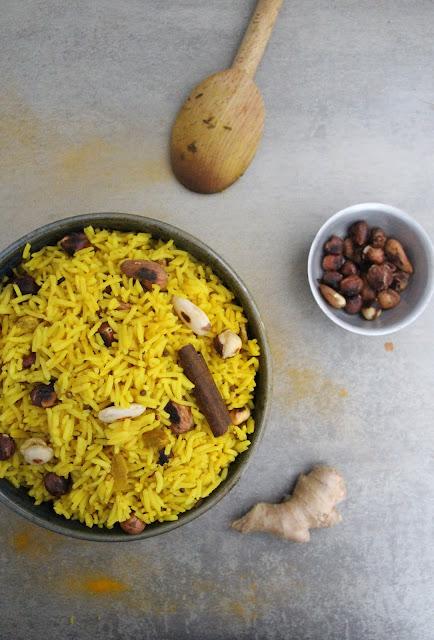 Cuillère et saladier : Riz indien aux épices