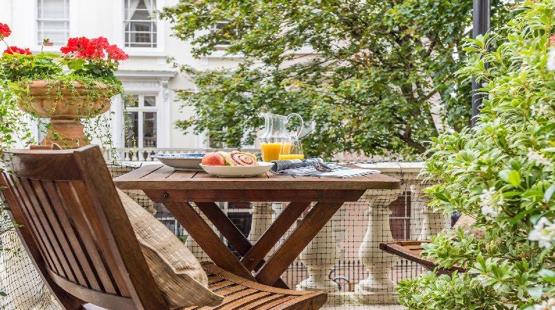 Dormire nelle case più belle di Londra: Victorian Garden terrazzino