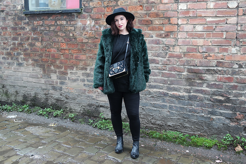January ootd - Green Faux Fur Coat and Fedora