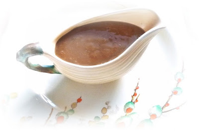 easy-homemade-gravy-suzy-bowler