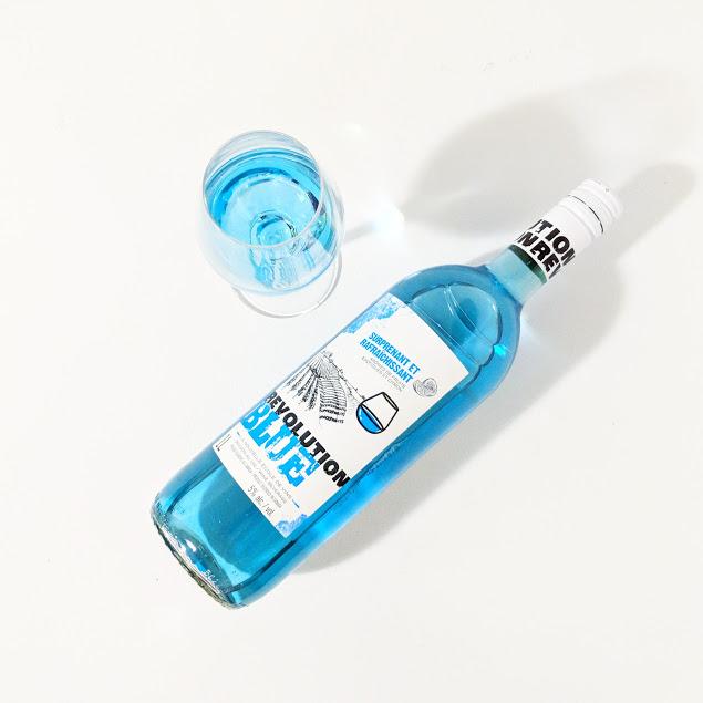 #Vindredi - Un vin bleu en épicerie? En fait une boisson au vin! Préparez-vous à une #RevolutionBlue