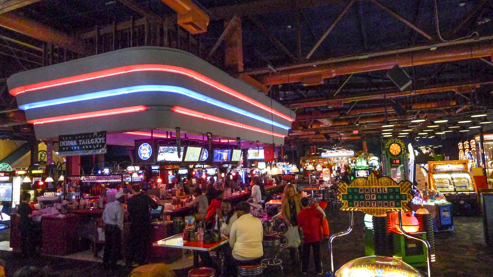 Philly Phoodie Dave Buster S