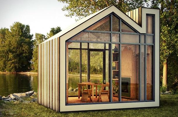 Маленький садовый домик из бруса и стекла