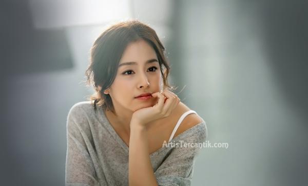 Model Korea Selatan Tercantik Kim Tae Hee