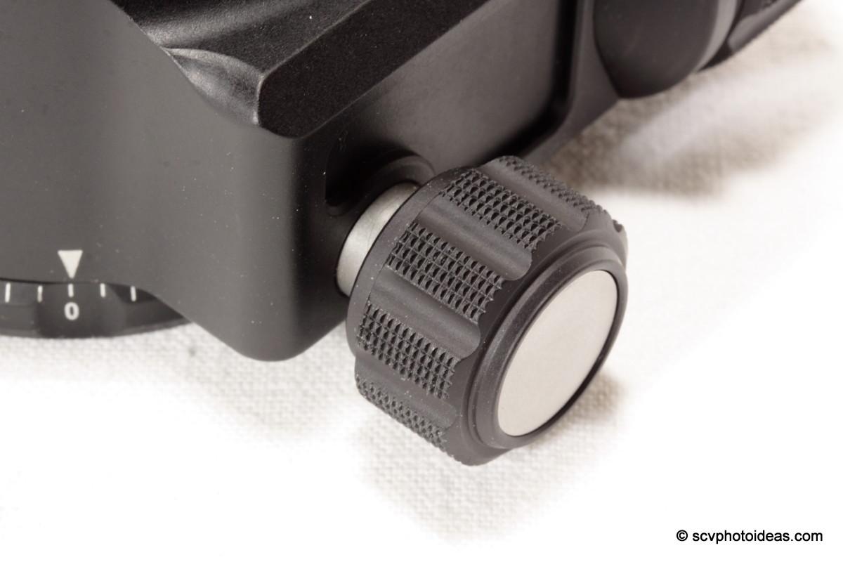 Sunwayfoto XB-44 panning lock knob closup