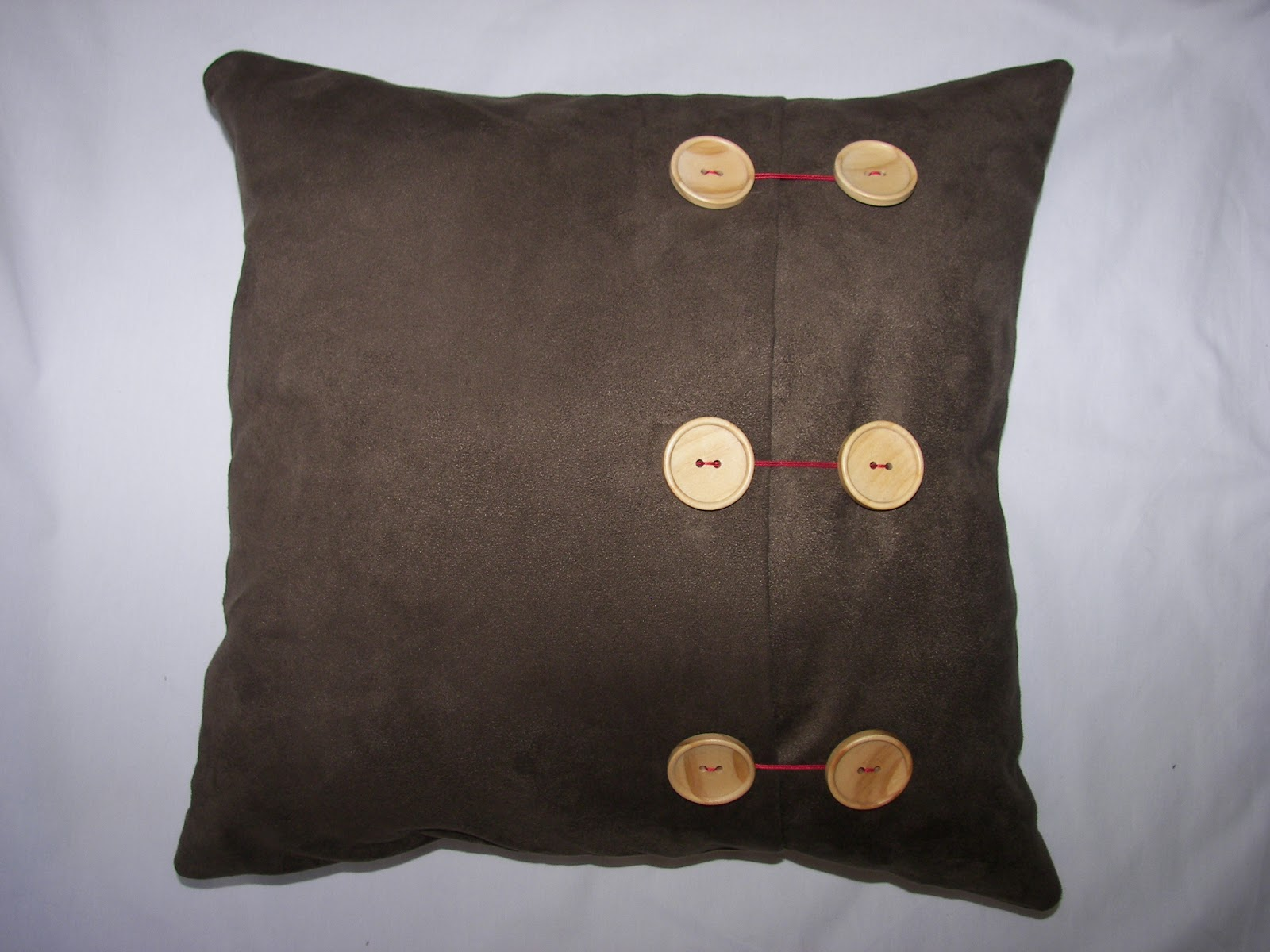 uniquecozytreasures how to make envelope style throw pillow covers. Black Bedroom Furniture Sets. Home Design Ideas