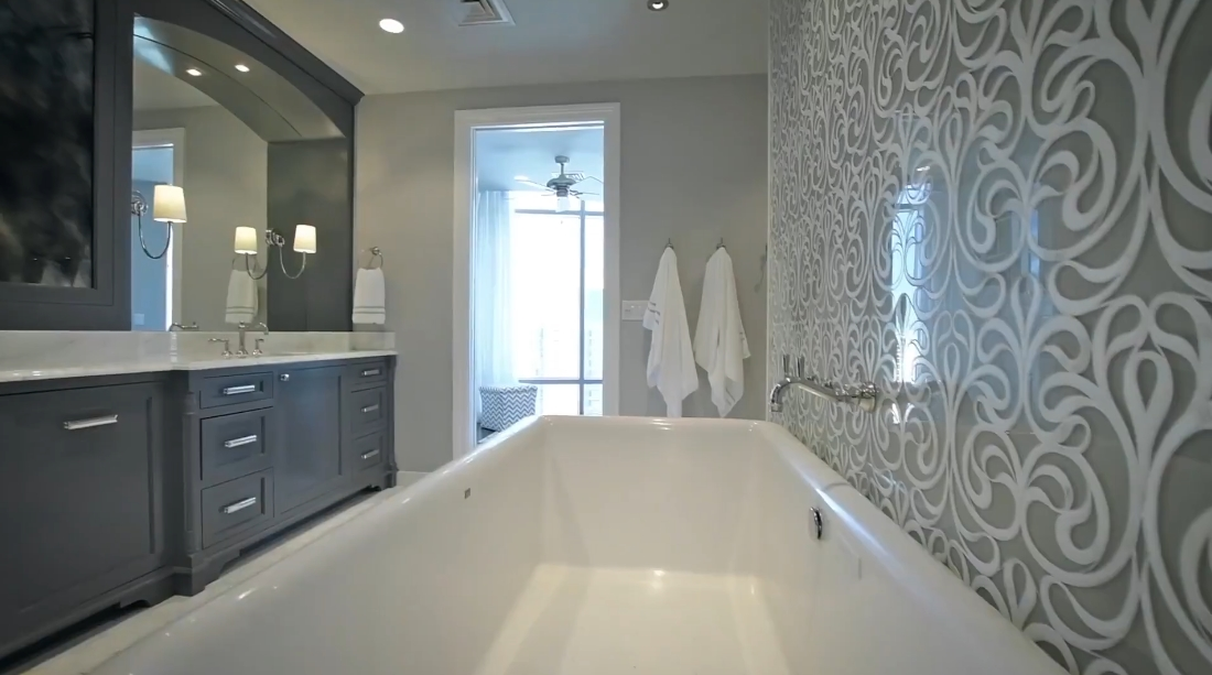 25 Photos vs. 200 Congress Ave #33DN, Austin, TX Interior Design Luxury Condo Tour