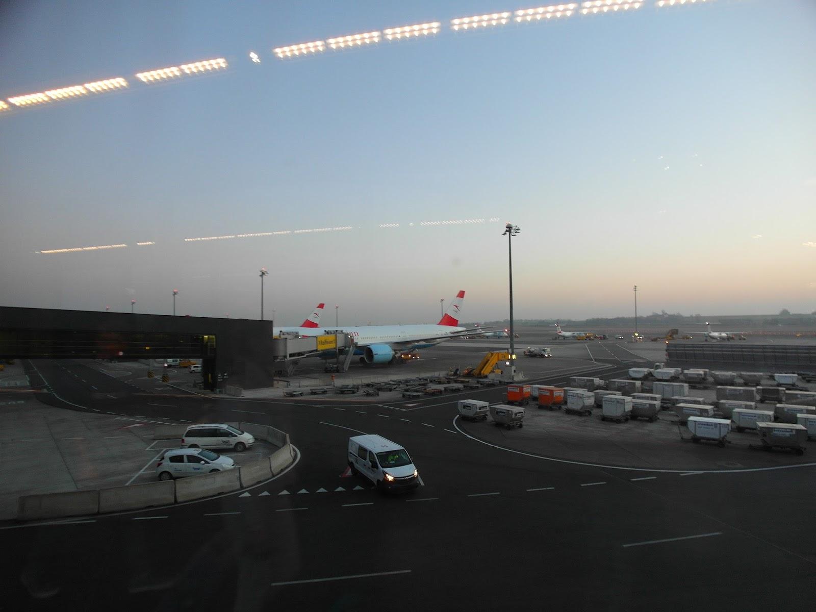 兔兔家族跑跑跑: 【冰島】 維也納機場 VIE 轉機