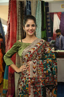 kashish vohra at national silk expo 30.jpg